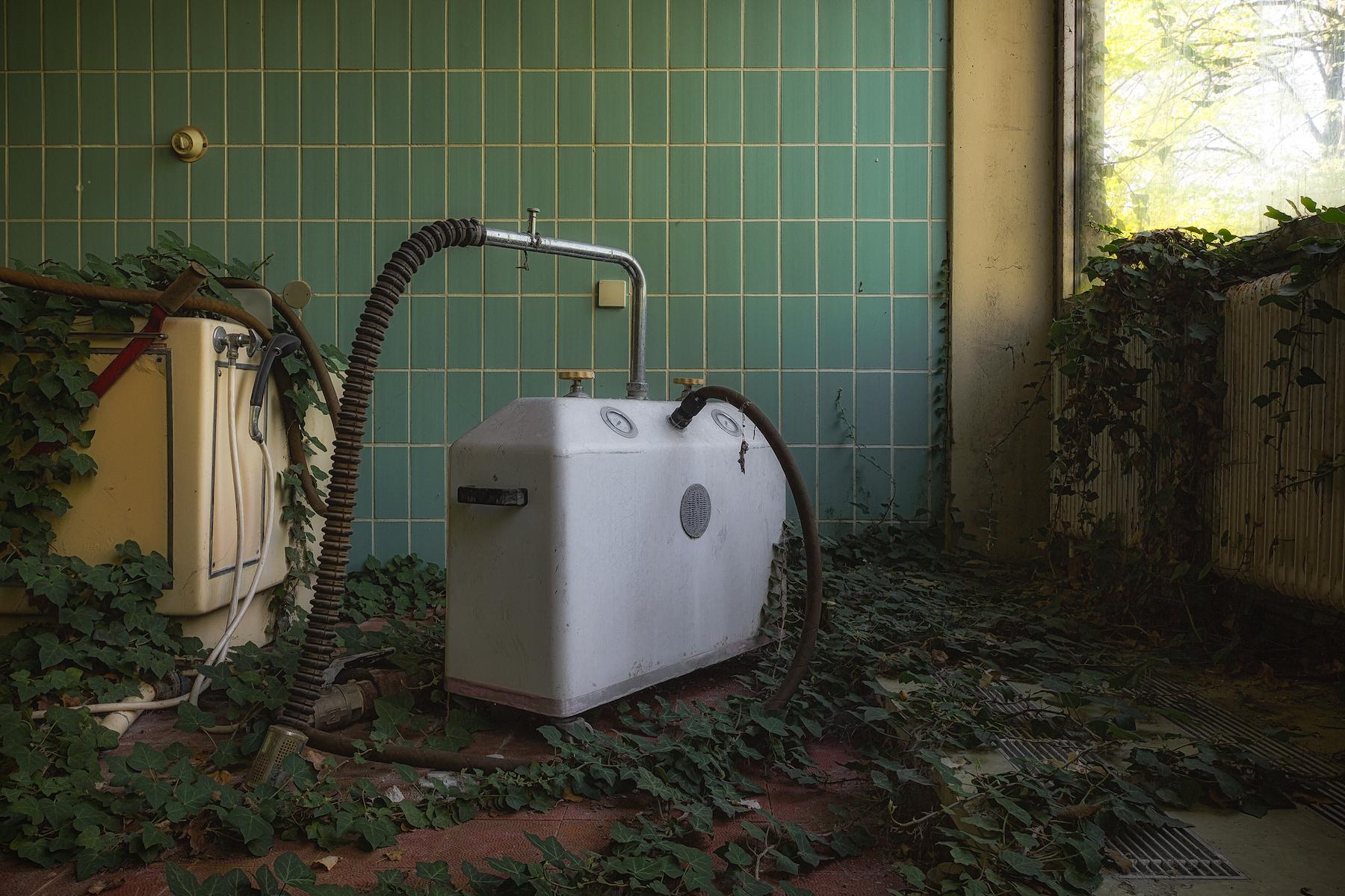 Naturaleza invadiendo lugares abandonados por Stefan Baumann