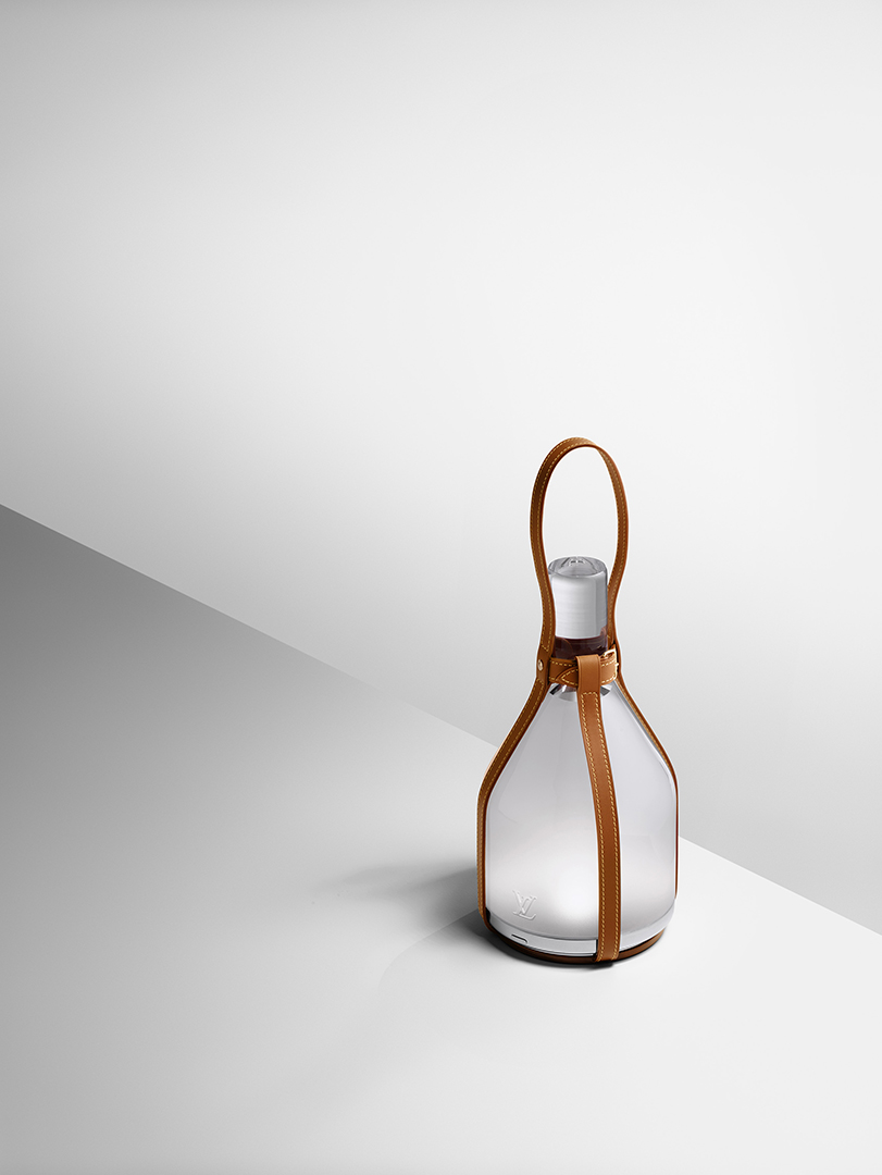 Eco designed lamp by Edwuard Barber and Jay Osgerby for Louis Vuitton