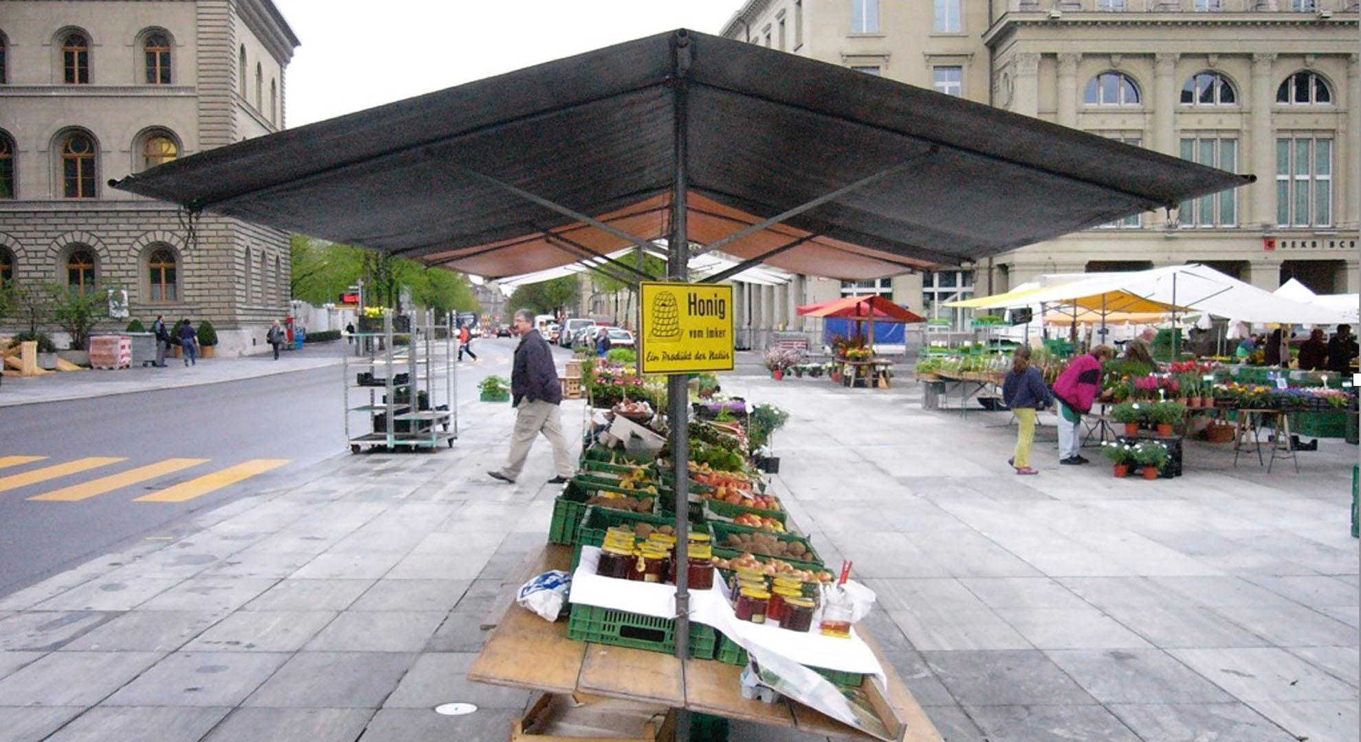Un mercado alemán con alimentación tradicional.
