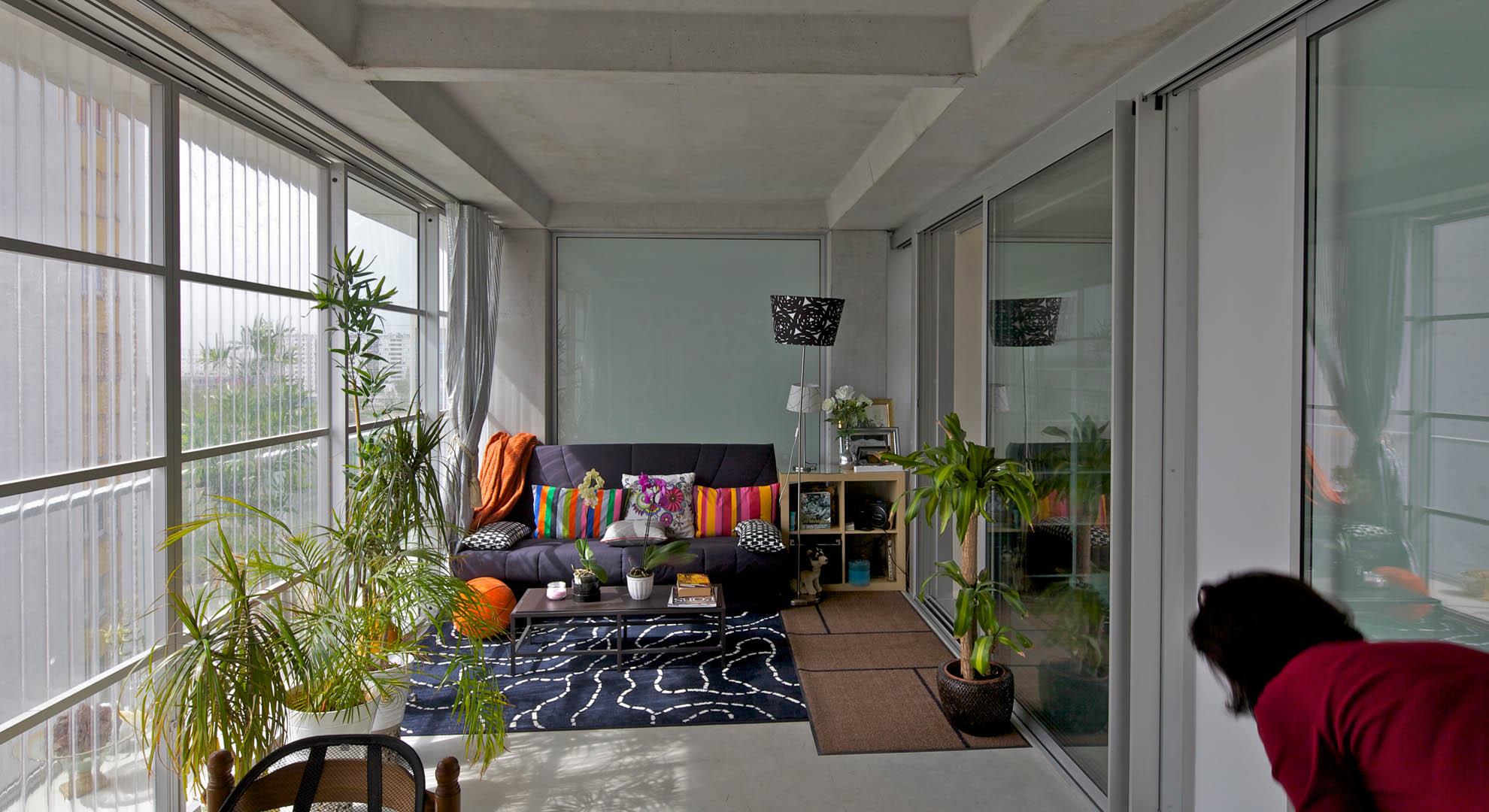 Interior de una casa transformada en Burdeos, Francia.